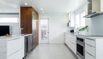 Hawaii Kitchen Remodeler—A $50K kitchen remodel in minimalistic style with luxuries by Design Trends Construction