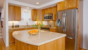 Hawaii Kitchen Remodeler - Aiea townhouse kitchen remodel by Homeowners Design Center
