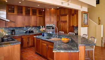 Hawaii Remodeler - Video: Van Gogh inspired stone adorns Hawaii Kai kitchen by Homeowners Design Center