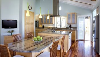 Hawaii Remodeler - Video: The ukulele maker's kitchen remodel by Homeowners Design Center