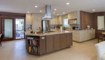 Hawaii Kitchen Remodeler - $80K Kitchen remodel adds livability to Hawaii Kai home by Design Trends Construction