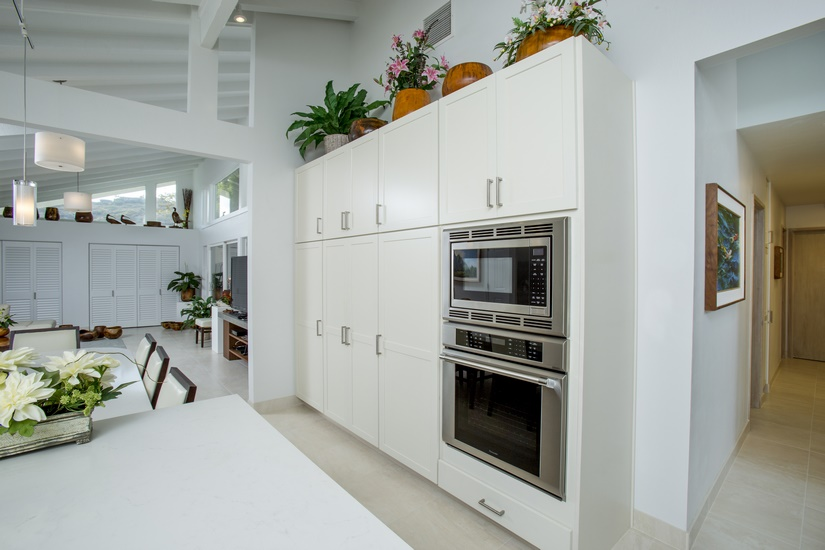All the appliances are high-end built-ins from Thermador: refrigerator, oven and microwave.