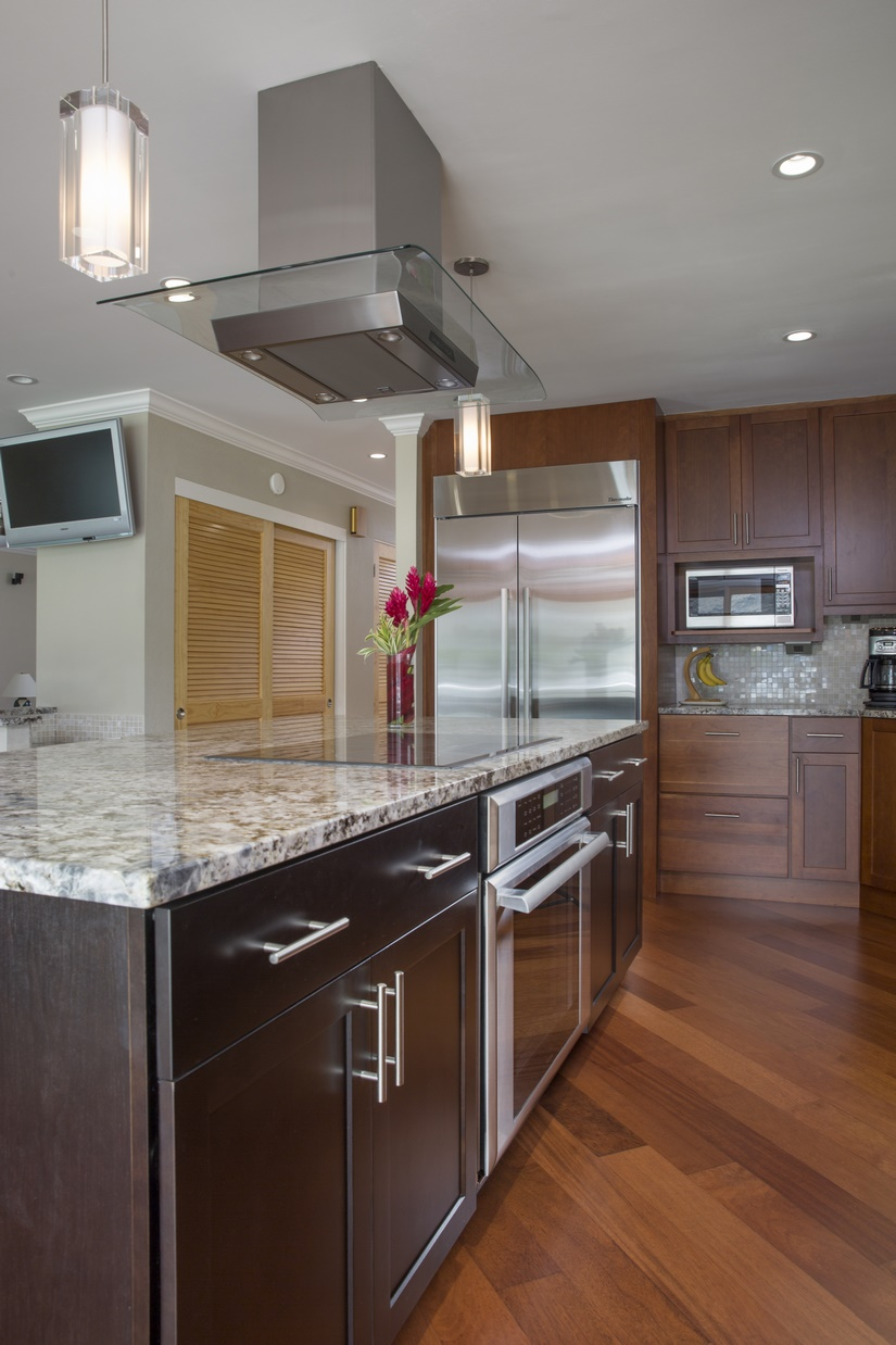 The kitchen remodel incorporated numerous lighting options, including recessed lights, under-cabinet lighting and pendant lights.
