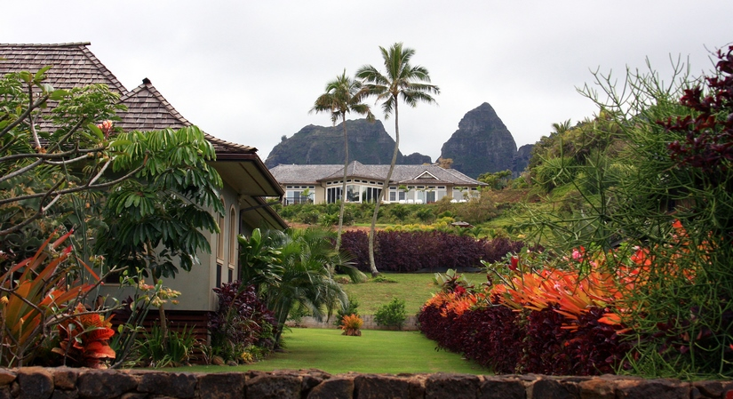 Hawaiian Garden and Houses - Hawaii Home and Garden Network