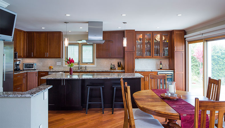 Hawaii Kitchen Remodeler - Kitchen remodel combines form & function beautifully in Hawaii Kai by Homeowners Design Center